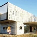 Des maisons modernes avec des containers